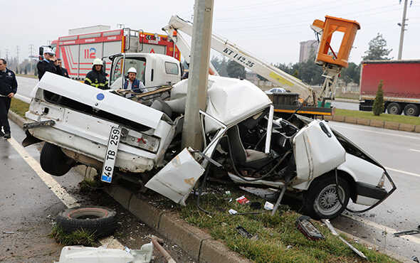 Kahramanmaraş'ta feci kaza: İkiye bölündü!