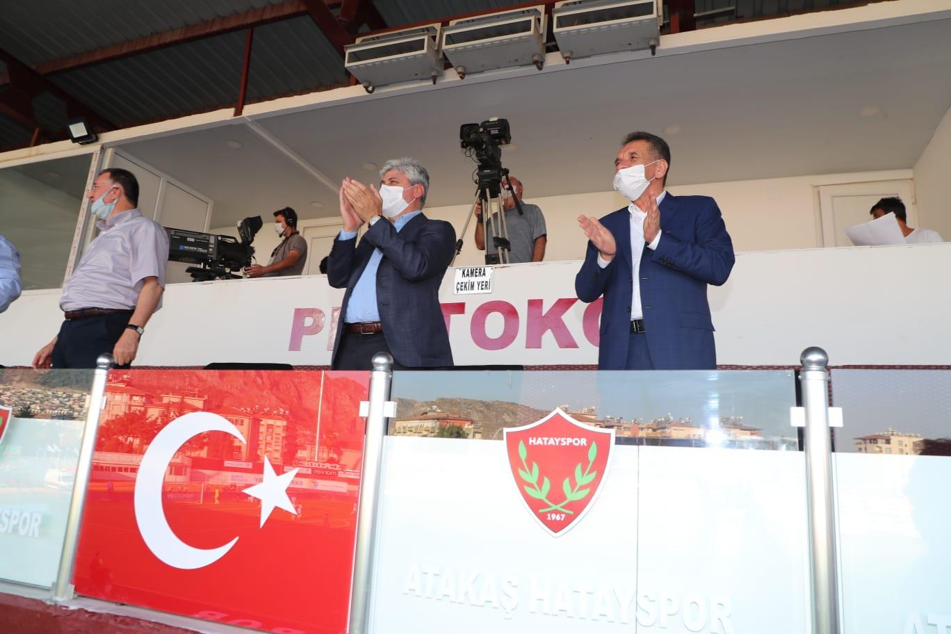 Vali Doğan Süper Lig'de de Desteğini Sürdürüyor