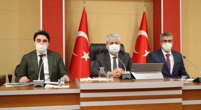 Hatay Valisi Doğan, Suriye'ye yardım götüren STK temsilcileri ile toplantı yaptı