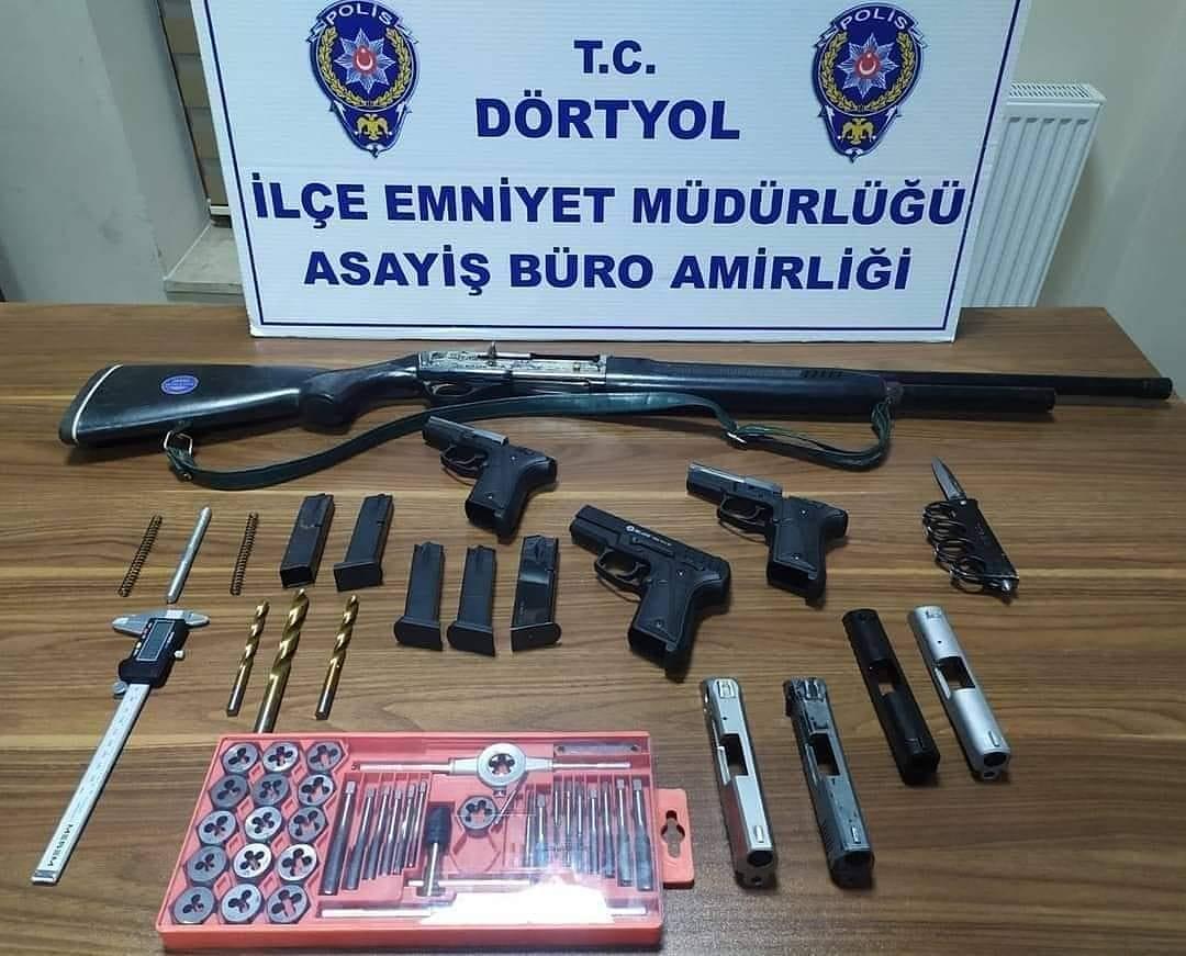 Kurusıkı tabancaları ateşli silaha dönüştüren şahıs yakalandı...